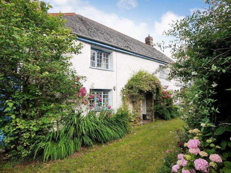 4 Bedrooms Detached House for sale in Bridgerule, Holsworthy