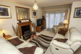 3 Bedrooms Detached House for sale in Olliver Acre, Wick, Littlehampton, West Sussex