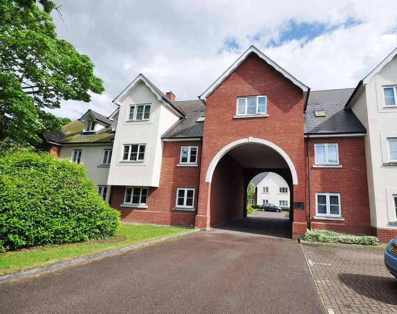 2 Bedrooms Apartment Flat for sale in Vicarage Court, Shrub End Road, Colchester