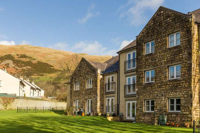 2 Bedrooms Flat for sale in Sedbergh, Cumbria