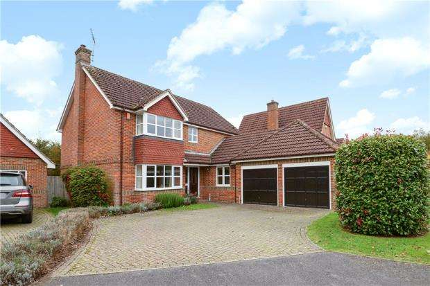 4 Bedrooms Detached House for sale in The Grange, Shepherds Lane, Caversham Heights