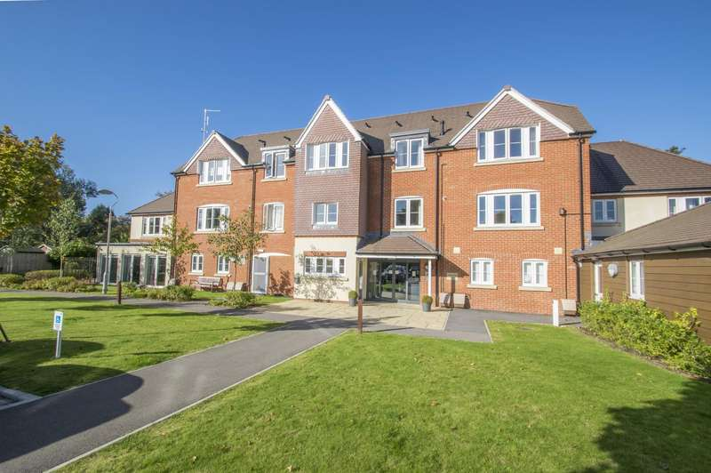 2 Bedrooms Flat for sale in Towse Court, Icknield Place, Goring on Thames, RG8