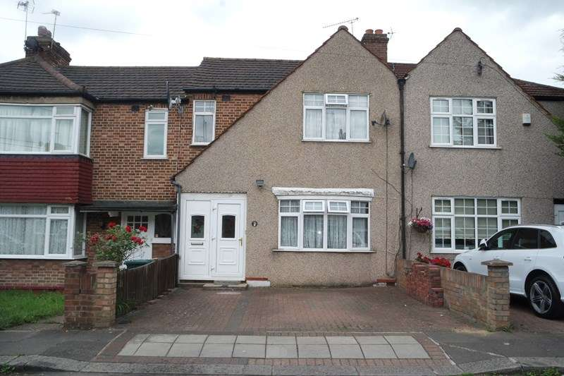 3 Bedrooms Terraced House for sale in Dale Close, New Barnet