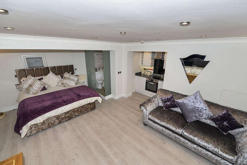 1 Bedroom Flat for sale in Wellington Terrace, Whitby, YO21