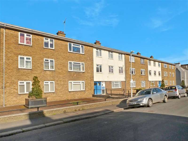 2 Bedrooms Ground Flat for sale in Dour Street, Dover, Kent