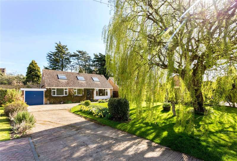 4 Bedrooms Detached House for sale in Mollington, Banbury, Oxfordshire, OX17