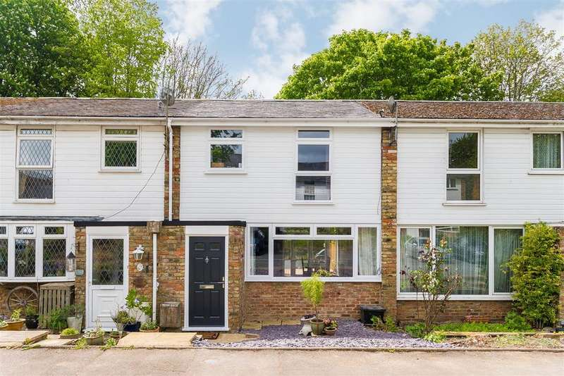 3 Bedrooms Terraced House for sale in Maybrook Gardens, High Wycombe