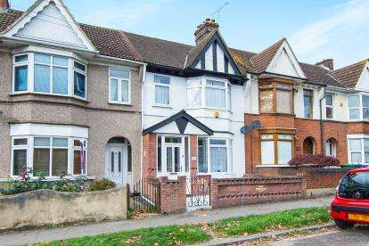2 Bedrooms Terraced House for sale in Grays, Essex