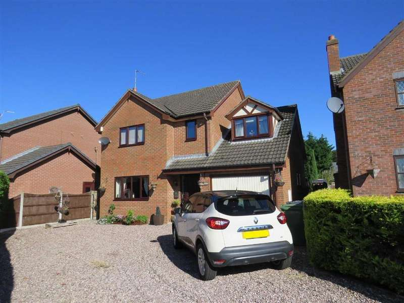 4 Bedrooms Detached House for sale in Oakwood Park, Penley, LL13