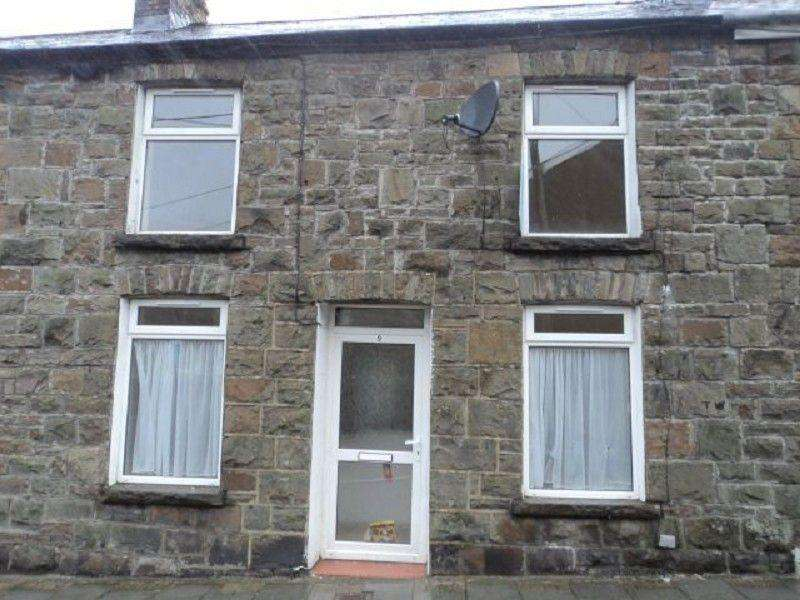 3 Bedrooms Terraced House for sale in Dinam Street, Nantymoel, Bridgend. CF32 7PU