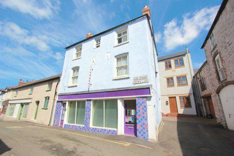 3 Bedrooms Town House for sale in Denbigh