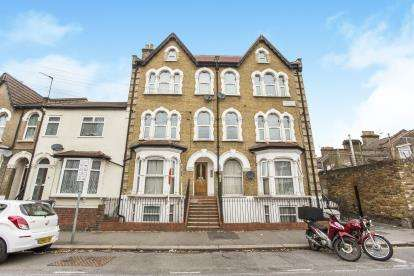1 Bedroom Flat for sale in Walthamstow, Waltham Forest, London