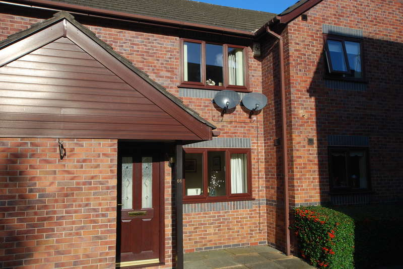 2 Bedrooms Ground Flat for sale in The Pearlings, Vicars Cross