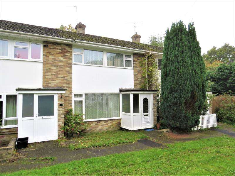 3 Bedrooms House for sale in Mid Terrace Town House