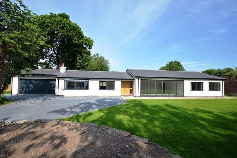 4 Bedrooms Detached House for sale in Pheasant Walk, High Legh