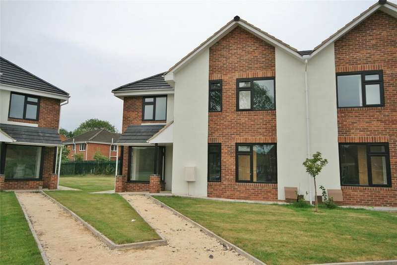 4 Bedrooms Semi Detached House for sale in Stool Close, Belton, DN9