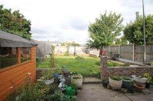 3 Bedrooms Semi Detached House for sale in Maiden Lane, Crayford, Dartford