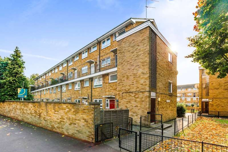 3 Bedrooms Flat for sale in Grantham Road, Manor Park, E12