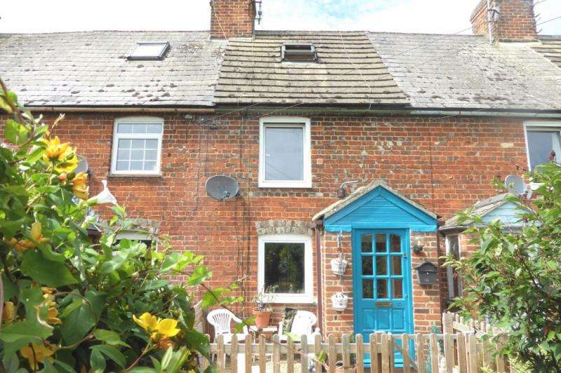2 Bedrooms Terraced House for sale in 10 Liddiards Row