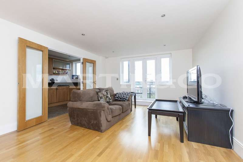 3 Bedrooms Property for sale in Oakbark House, Direct Water Views TW8