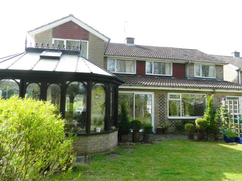 4 Bedrooms Detached House for sale in Rosedale Crescent , Guisborough TS14