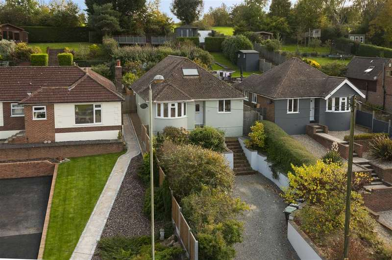4 Bedrooms Detached House for sale in Ashford Road, Canterbury