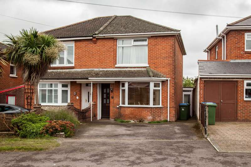 3 Bedrooms Semi Detached House for sale in Rownhams Road, Southampton, SO16