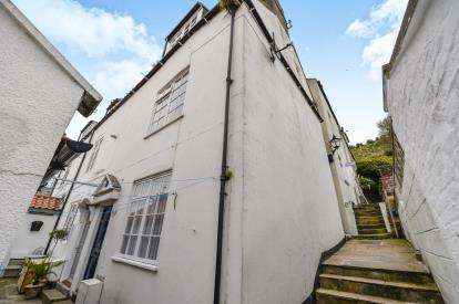 3 Bedrooms End Of Terrace House for sale in White Horse Yard, Church Street, Whitby, North Yorkshire