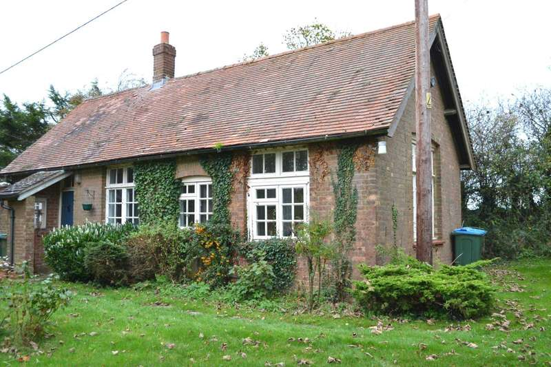 1 Bedroom Detached House for rent in Thame Road, Brill