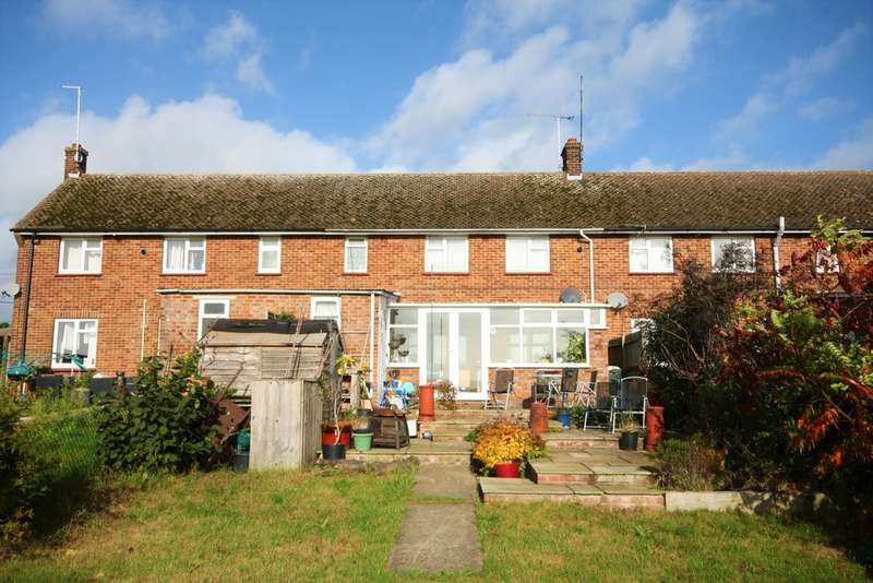 2 Bedrooms Terraced House for sale in The Chase, Boreham, Chelmsford