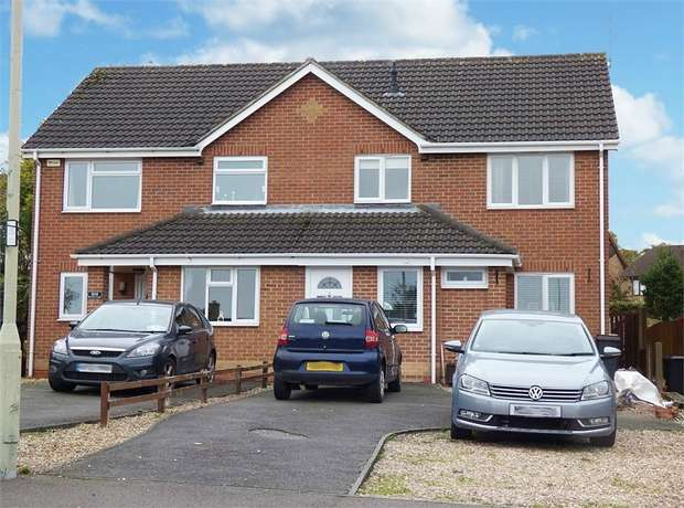 3 Bedrooms Semi Detached House for sale in Brooks Lane, Whitwick, Coalville, Leicestershire
