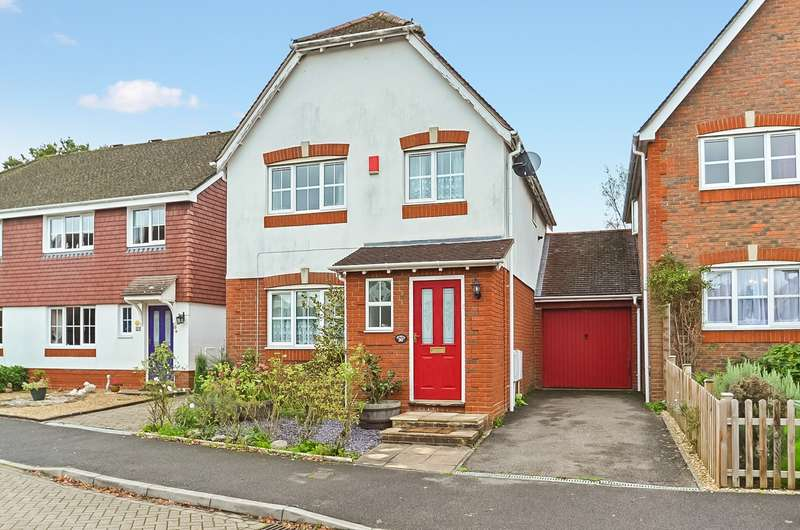 3 Bedrooms Detached House for sale in Cranham Avenue, Billingshurst, West Sussex, RH14