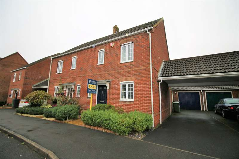 3 Bedrooms Semi Detached House for sale in Whitgift Close, Beggarwood, Basingstoke, RG22