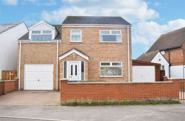 3 Bedrooms Detached House for sale in The Crescent, Littleport, Ely, Cambridgeshire