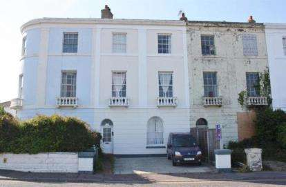 7 Bedrooms Terraced House for sale in Walton on the Naze, Essex