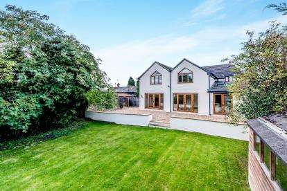 4 Bedrooms Detached House for sale in Box End, Bedford, Bedfordshire