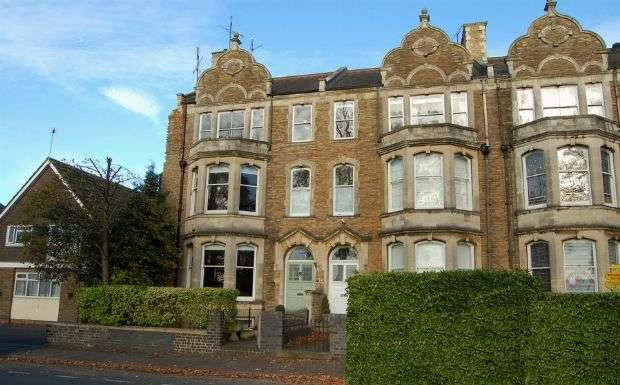 6 Bedrooms Town House for sale in St Georges Avenue, Kingsley, Northampton NN2 6JF