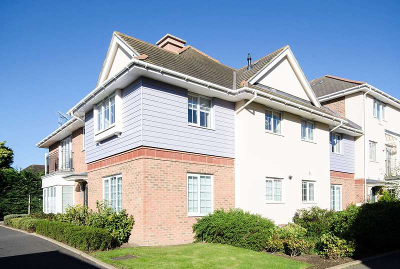 2 Bedrooms Flat for sale in Flowers Avenue, Ruislip, HA4