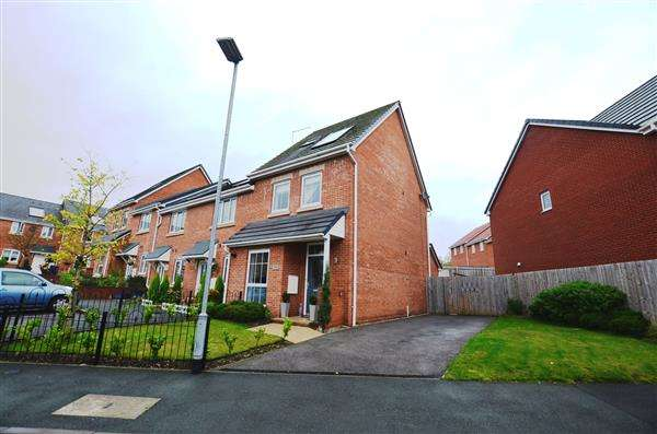 3 Bedrooms Property for sale in Sutton Avenue, Silverdale, Newcastle-under-Lyme