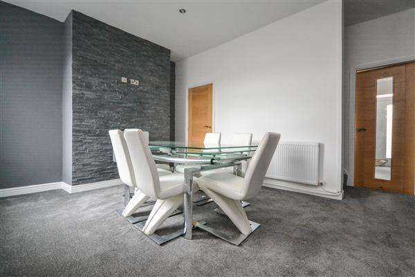 2 Bedrooms Terraced House for sale in Warrington Road, Wigan