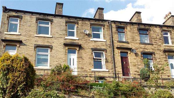 3 Bedrooms Terraced House for sale in Colne View, Huddersfield