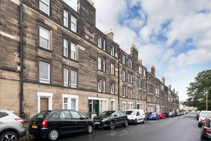 1 Bedroom Ground Flat for sale in Moat Street, Slateford, Edinburgh, EH14 1PL
