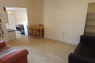 5 Bedrooms Maisonette Flat for rent in Tavistock Road, West Jesmond, Newcastle upon Tyne, NE2
