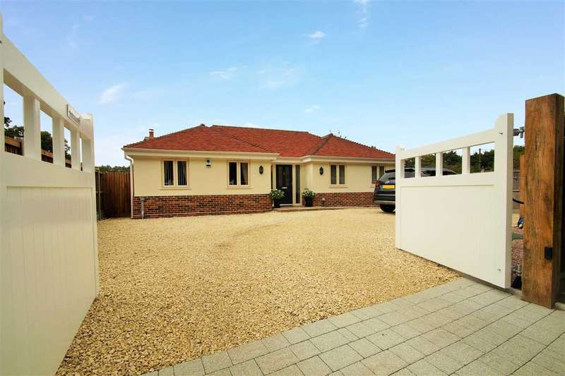 3 Bedrooms Bungalow for sale in Beechtree Lodge, Chapel Lane, Crockleford Heath, Colchester