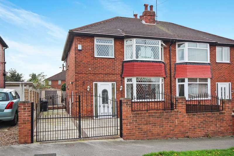 3 Bedrooms Semi Detached House for sale in Woodland Hill, Leeds, LS15