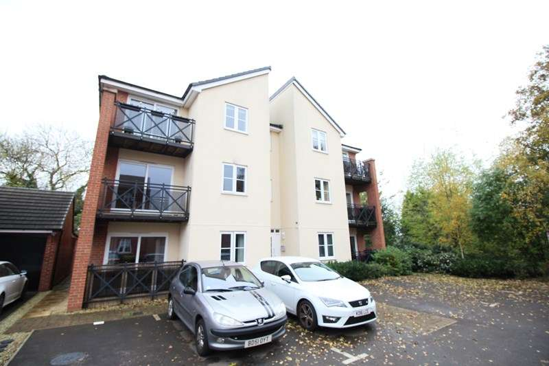 1 Bedroom Ground Flat for sale in Kendrick Grove, Hall Green, Birmingham