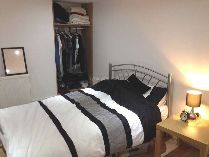 6 Bedrooms House Share for rent in Connaught Road, Liverpool
