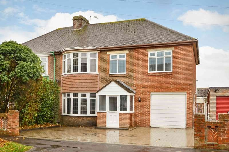 4 Bedrooms Semi Detached House for sale in Drayton, Hampshire