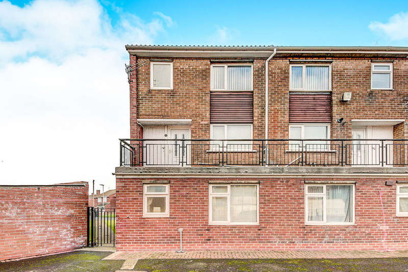 2 Bedrooms Flat for sale in Byron Close, Choppington, NE62