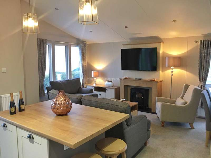 3 Bedrooms Lodge Character Property for sale in Borth, Wales